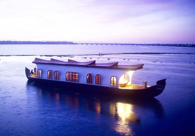 Kerala Honeymoon Packages with Airfare