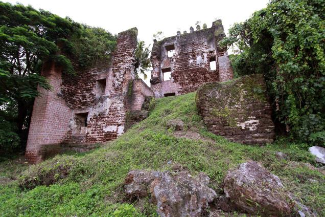 Thangaserry Fort