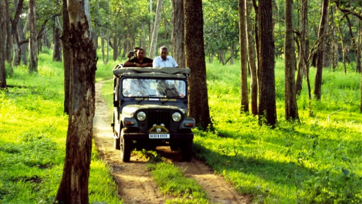 india_Wildlife_Kerala_Jeep_Safari_adventure-710x400
