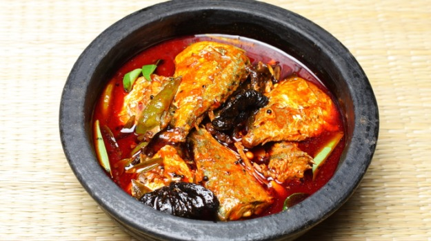 red-hot-chilli-fish-curry_625x350_51421930099