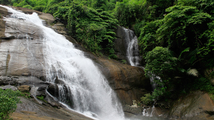 thusharagiri_waterfalls_